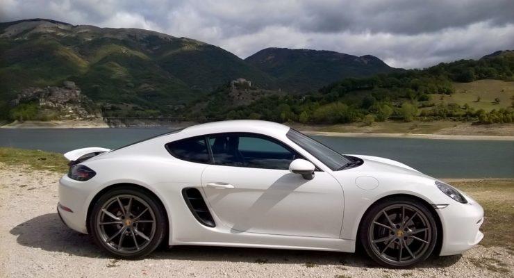 Porsche 718 Cayman: la sportiva da città