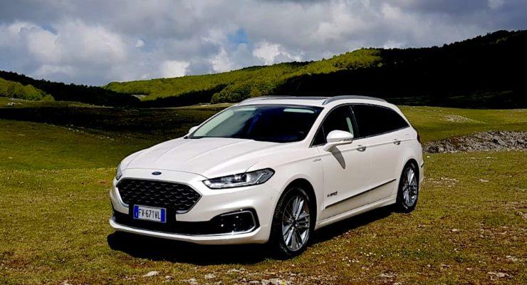 Nuova Ford Mondeo SW Hybrid Vignale: Grande ed ecologica