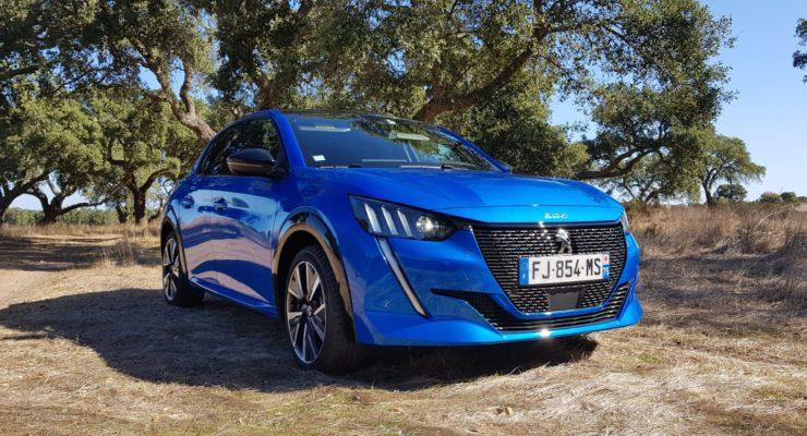 Nuova Peugeot 208: design dalle linee dinamiche e moderne