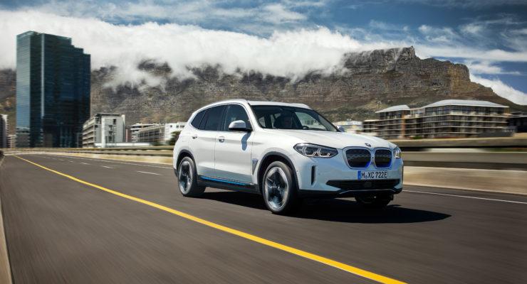 BMW presenta la nuova iX3